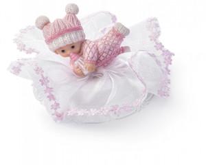 Taufaufsatz Baby spielend auf Tüllsockel, rosa, 2-fach sortiert, Polystone, 10cm, 8 Stück