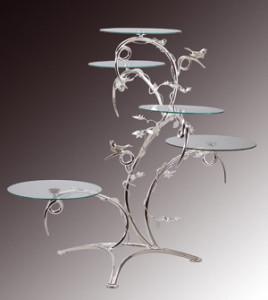 Exclusiver Tortenständer mit 5 Glasplatten