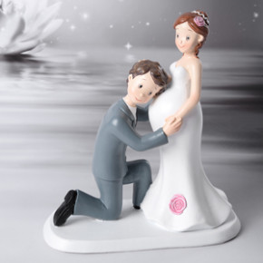 Brautpaar mit schwangerer Braut, Polystone, 17cm, 2 Stück