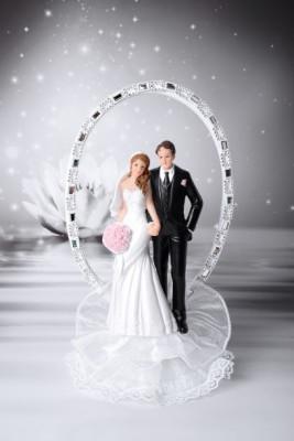 Brautpaar auf Tüll vor Glitzerbogen, Polystone, 25cm, 2 Stück